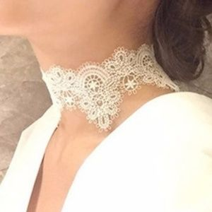 Choker Necklace - The Floral Boho White